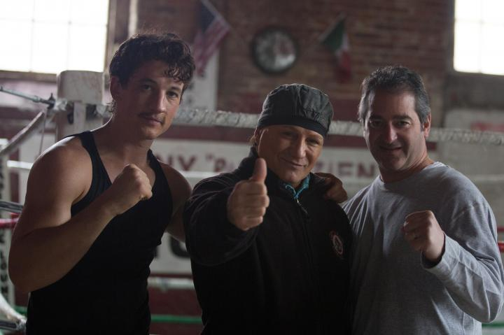 Vinny Pazienza and Miles Teller in Bleed for This (2016)