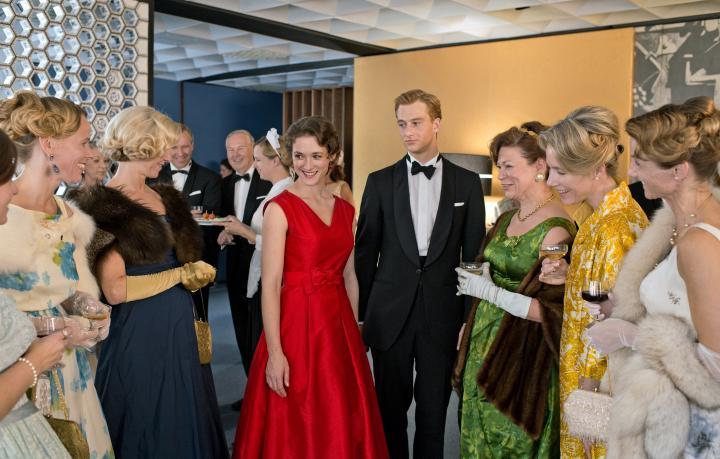 Friederike Becht and Alexander Fehling in Im Labyrinth des Schweigens (2014)