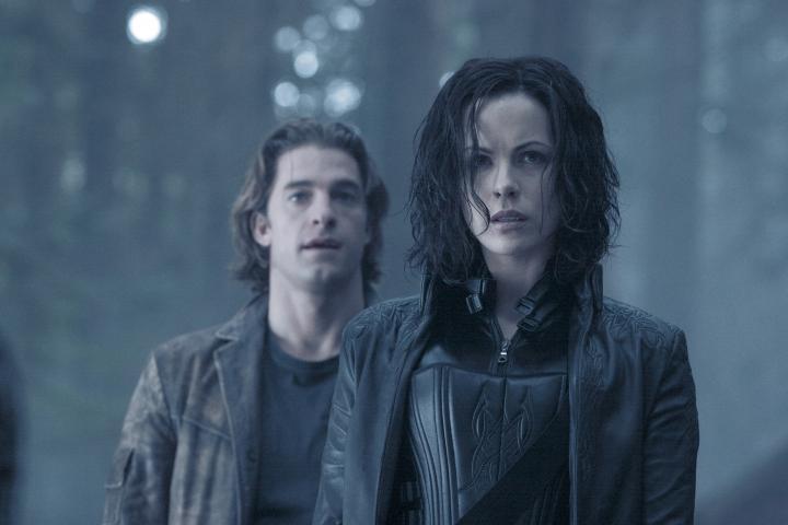 Kate Beckinsale and Scott Speedman in Underworld: Evolution (2006)