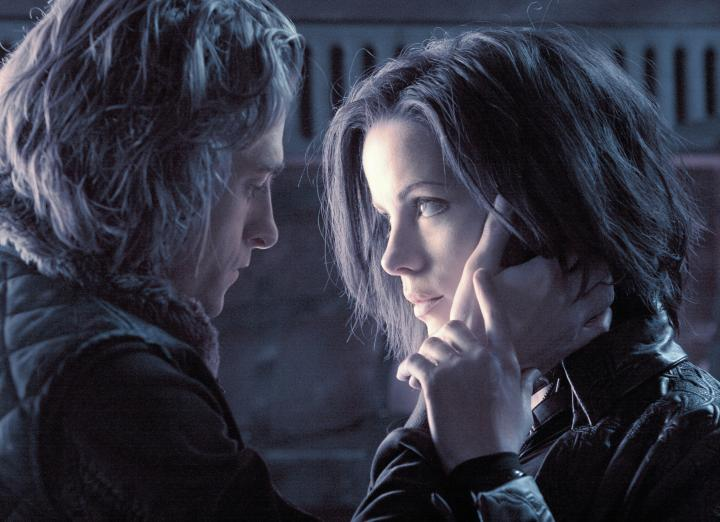 Kate Beckinsale and Scott Speedman in Underworld: Evolution (2006)