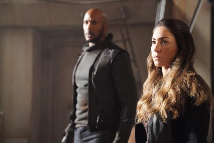 Henry Simmons and Natalia Cordova-Buckley in Agents of S.H.I.E.L.D. (2013)
