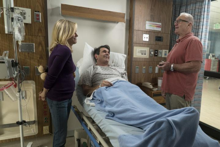 Julie Bowen, Ty Burrell, and Ed O'Neill in Modern Family (2009)