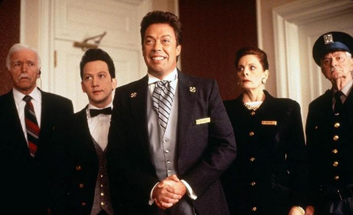 Tim Curry, Rob Schneider, Dana Ivey, and Fred Krause in Home Alone 2: Lost in New York (1992)