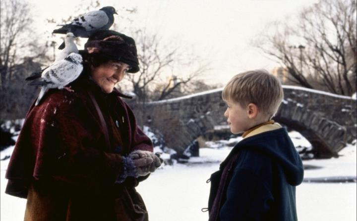 Macaulay Culkin and Brenda Fricker in Home Alone 2: Lost in New York (1992)