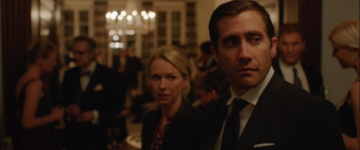 Jake Gyllenhaal and Naomi Watts in Demolition (2015)