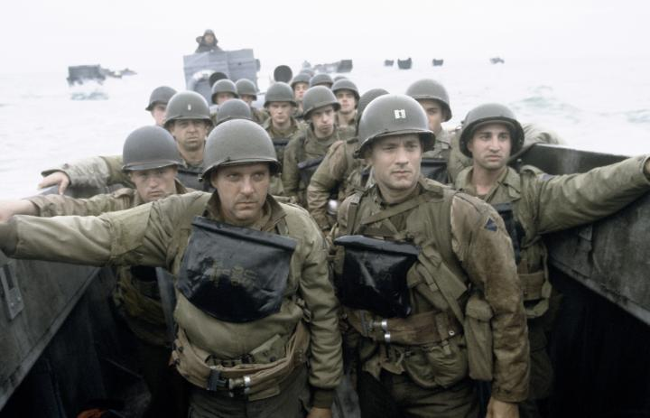 Tom Hanks, Tom Sizemore, Rolf Saxon, and Adam Shaw in Saving Private Ryan (1998)