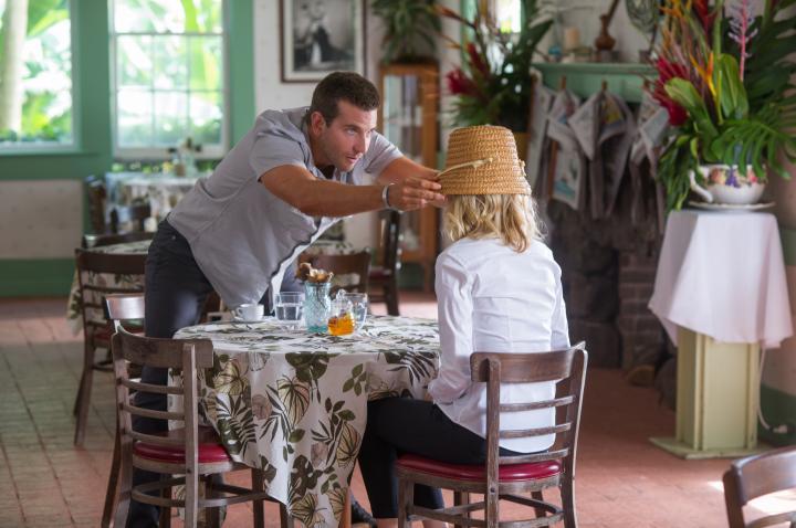 Bradley Cooper and Emma Stone in Aloha (2015)