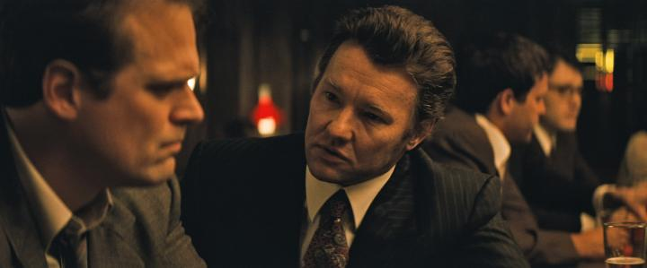 Joel Edgerton and David Harbour in Black Mass (2015)