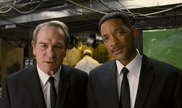 Tommy Lee Jones and Will Smith in Men in Black 3 (2012)