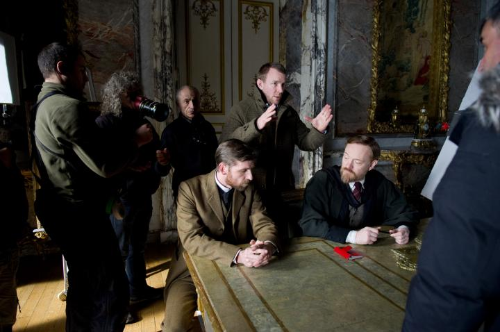 Guy Ritchie and Jared Harris in Sherlock Holmes: A Game of Shadows (2011)
