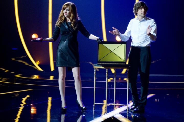 Jesse Eisenberg and Isla Fisher in Now You See Me (2013)
