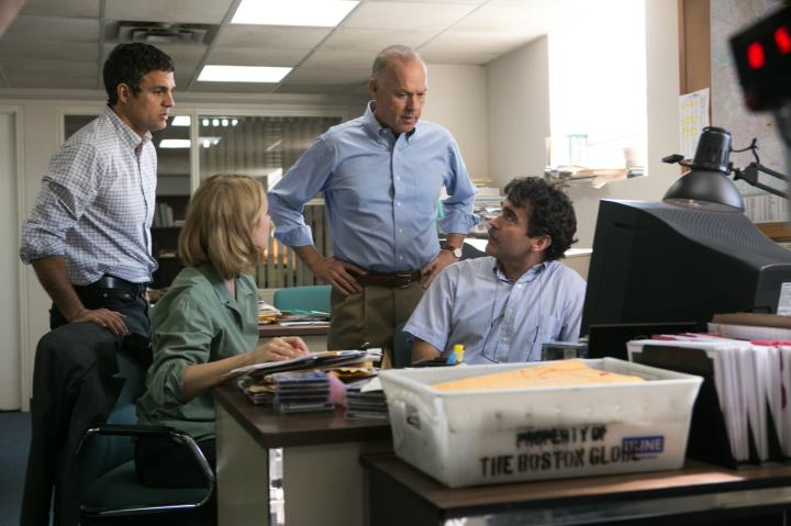Michael Keaton, Brian d'Arcy James, Mark Ruffalo, and Rachel McAdams in Spotlight (2015)