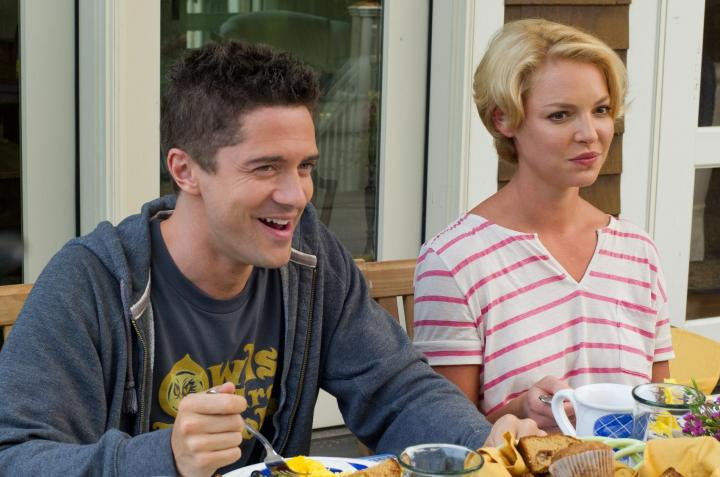 Katherine Heigl and Topher Grace in The Big Wedding (2013)