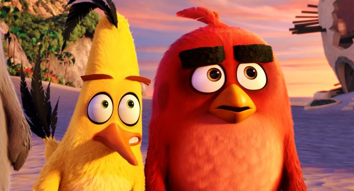 Jason Sudeikis and Josh Gad in Angry Birds (2016)