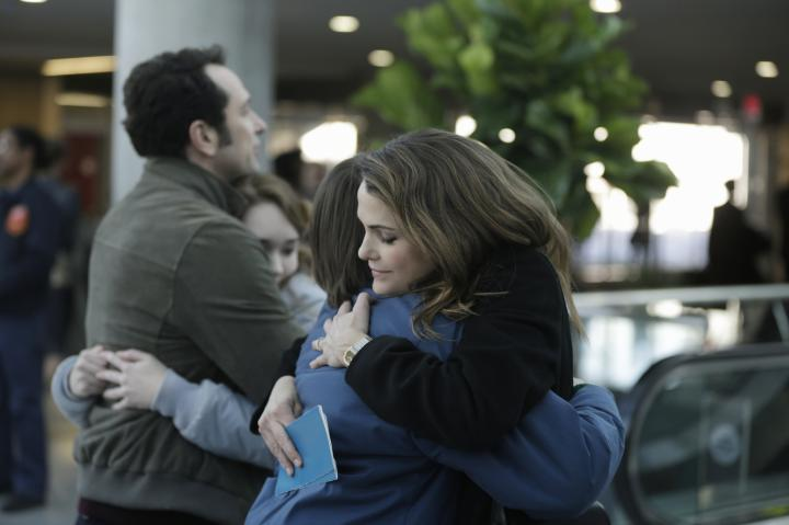 Keri Russell, Matthew Rhys, Holly Taylor, and Keidrich Sellati in The Americans (2013)