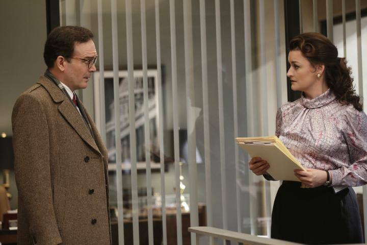 Jefferson Mays and Alison Wright in The Americans (2013)