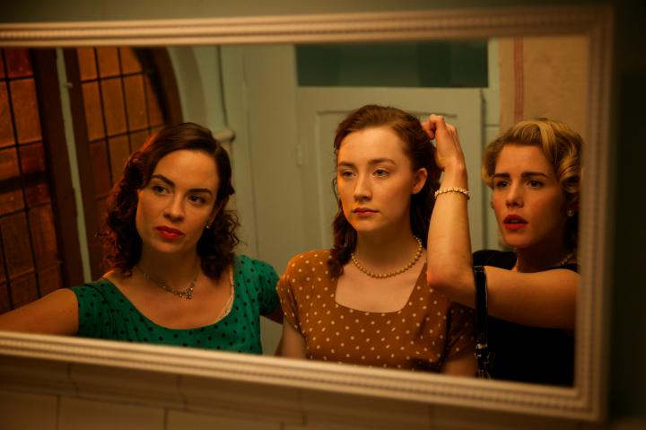 Saoirse Ronan and Eve Macklin in Brooklyn (2015)