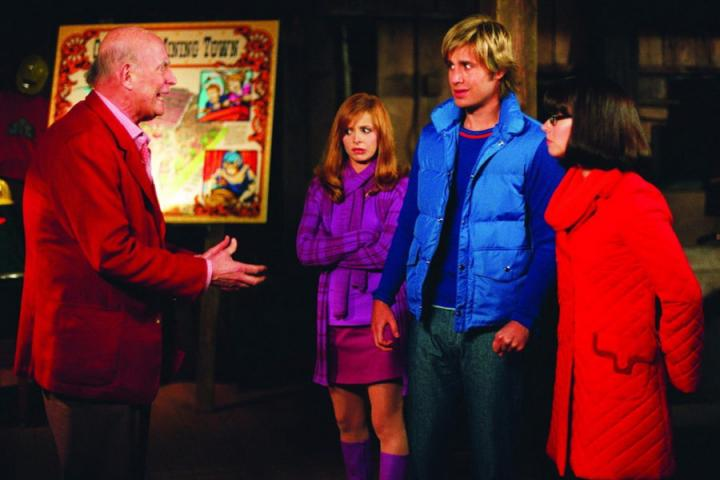 Sarah Michelle Gellar, Peter Boyle, Linda Cardellini, and Freddie Prinze Jr. in Scooby-Doo 2: Monsters Unleashed (2004)
