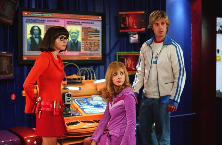 Sarah Michelle Gellar, Linda Cardellini, and Freddie Prinze Jr. in Scooby-Doo 2: Monsters Unleashed (2004)