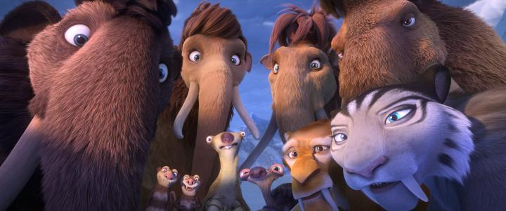 Jennifer Lopez, John Leguizamo, Queen Latifah, Denis Leary, Ray Romano, Seann William Scott, Josh Peck, Wanda Sykes, Keke Palmer, and Adam Devine in Ice Age: Collision Course (2016)