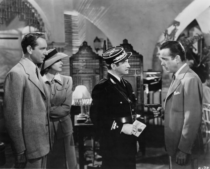 Ingrid Bergman, Humphrey Bogart, Claude Rains, and Paul Henreid in Casablanca (1942)