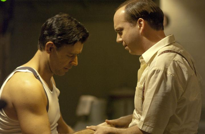 Russell Crowe and Paul Giamatti in Cinderella Man (2005)