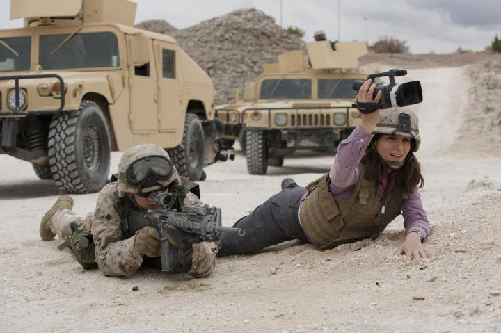 Tina Fey and Evan Jonigkeit in Whiskey Tango Foxtrot (2016)