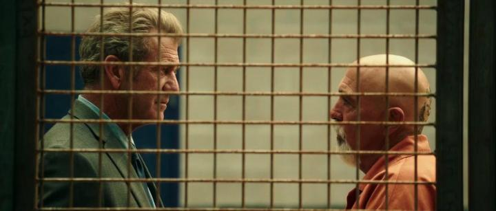 Mel Gibson and Miguel Sandoval in Blood Father (2016)