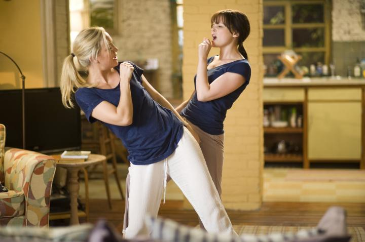 Kate Hudson and Ginnifer Goodwin in Something Borrowed (2011)