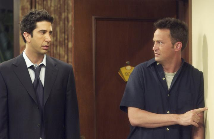 Matthew Perry and David Schwimmer in Friends (1994)