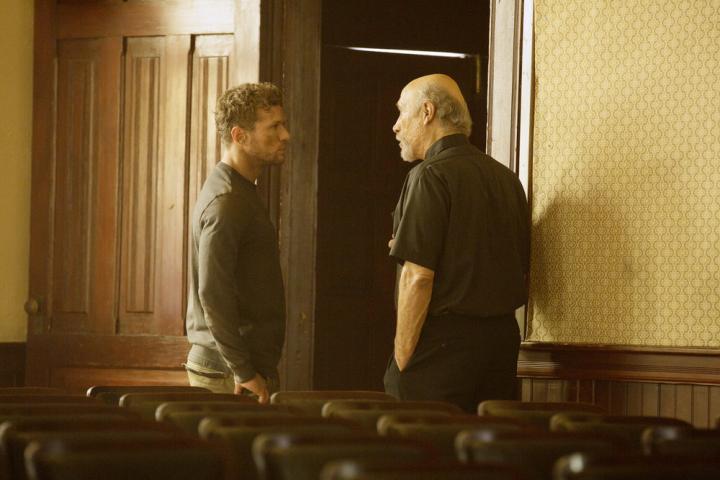 Ryan Phillippe and Tony Amendola in Shooter (2016)