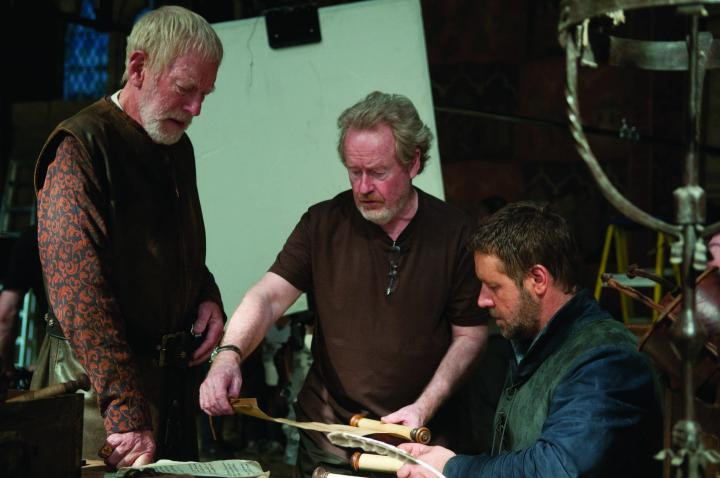 Russell Crowe, Ridley Scott, and Max von Sydow in Robin Hood (2010)